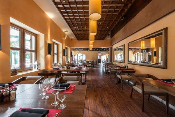 Need Consistent And Reliable Restaurant Cleaning Services You Can Count On Pride Pros Llc To Provide Your Customers